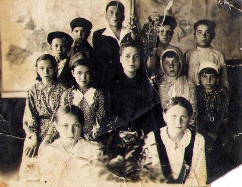 Read more about the article Фотографии из семейного архива жительницы села Семенчино Мироновой Валентины Николаевны