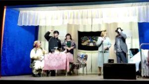 В Семенчинском сельском клубе- спектакль