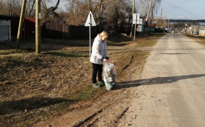 Read more about the article Субботник в деревне Семенчино