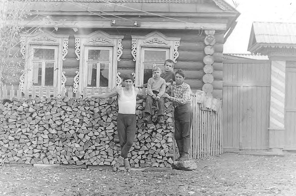Read more about the article Архивные фотографии села Семенчино начало 80-х гг. XX века